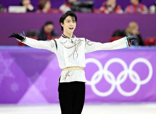 フィギュアスケート男子フリーの演技を終え、歓声に応える羽生結弦選手(2月17日、韓国・江陵で)