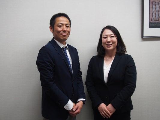 WOWプログラムを作ってきた福島賢教諭(左)と福原教恵教諭