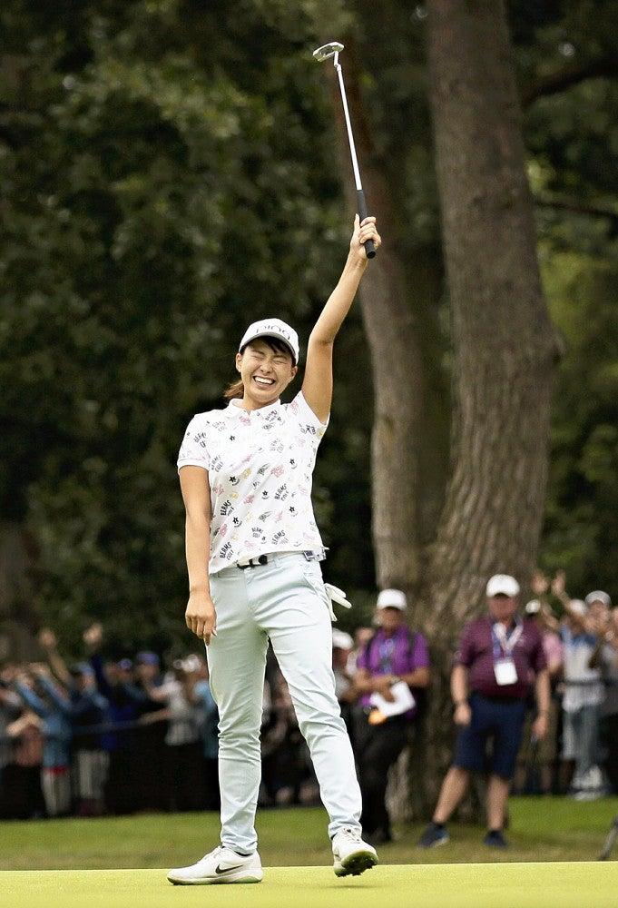 20歳渋野が全英V「言葉にできないくらいうれしい」  ゴルフ