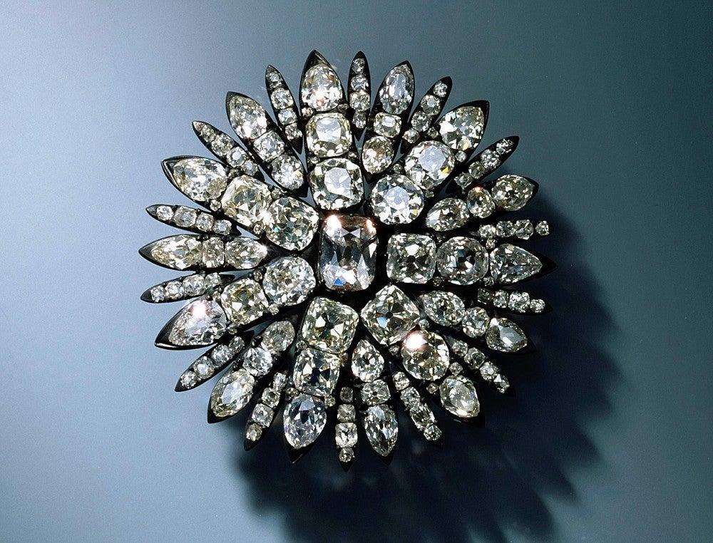 独博物館で宝飾品盗難、1200億円被害の可能性と報道  国際
