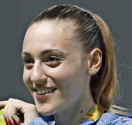 ギリシャで始まる聖火リレー、史上初の女性第1走者 : 東京 ...