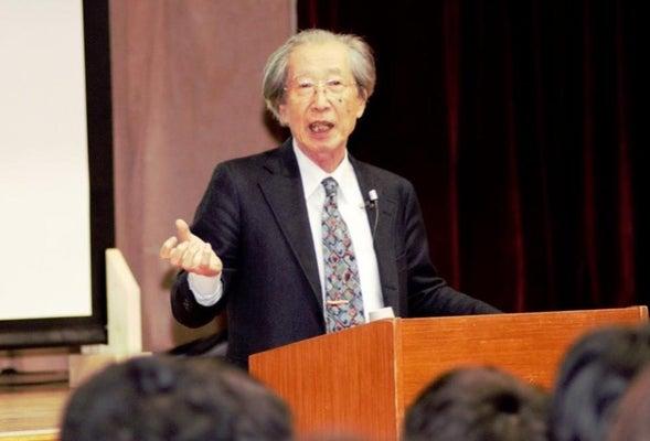 文化勲章OBの甘利俊一さん、後輩に「AI」語る…日本学園