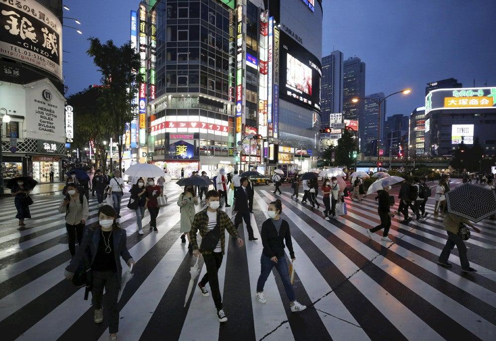 夜の歌舞伎町「飲みに行きたい、でも感染怖い」…人出徐々に戻る : 社会 ...