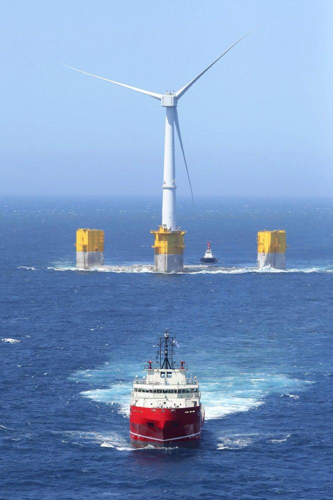 世界 最大 洋上 風力 発電 所 世界最大の洋上風力発電所はどこにある?【ニュース検定】池上彰