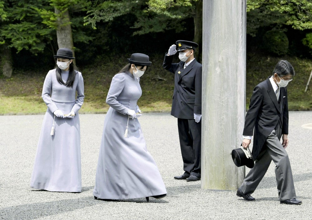 香淳皇后しのび「二十年式年祭の儀」、天皇・皇后両陛下と皇族方が参拝 ...
