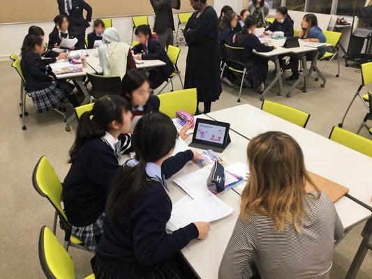 留学生との交流や海外研修で実践的な英語を学ぶ