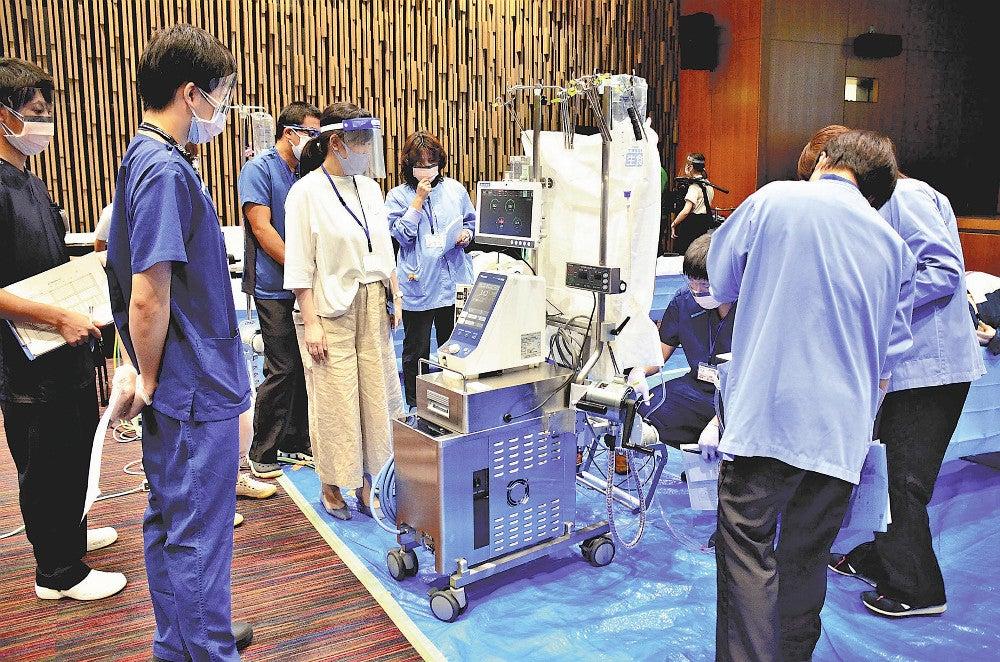 山大病院でエクモ講習会 3医療機関の医師ら参加