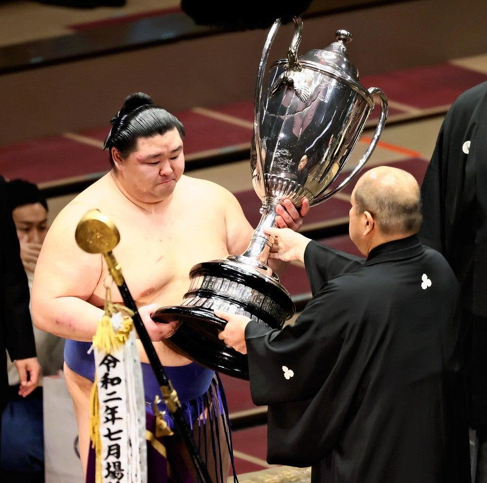 相撲界に入る前から憧れていた地位」…秋場所優勝の正代、大関昇進確実 ...