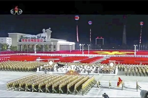 北朝鮮軍事パレード、異例の未明開催…金正恩氏演説「戦争抑止力を強化 ...
